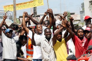 Kenia_Mtwapa residents protest over a gay marriage that was to take place in Mtwapa on Friday