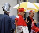 Kardinaal Bertone002_rechts