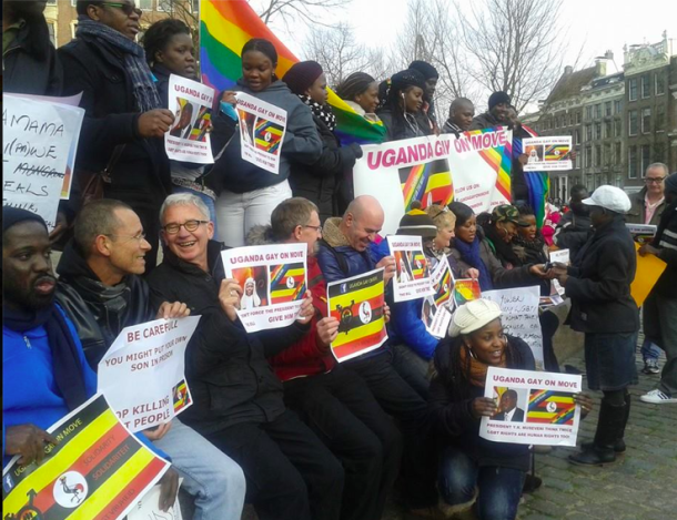 Oeganda_Museveni geeft startsein voor de grote opkuis_Homomonument Amsterdam