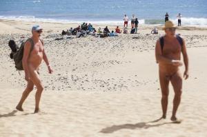 Asielzoekers komen aan op een strand in Gran Canaria_nov2014_.jpg